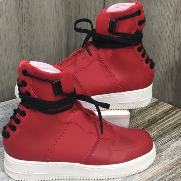 Pink sz 8 Nike Women/'s Air Force 1 Rebel XX Gym Red